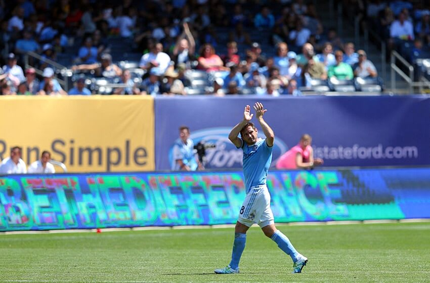 Jun 18, 2016; New York, NY, USA; New York City FC midfielder Frank Lampard (8) applauds the fans as he leaves after being substituted during the second half against the Philadelphia Union at Yankee Stadium. New York City defeated Philadelphia 3-2. Mandatory Credit: Brad Penner-USA TODAY Sports