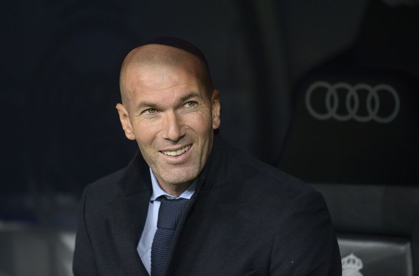 MADRID, SPAIN - NOVEMBER 05: Zinedine Zidane coach of Real Madrid smiles during a match between Real Madrid and Las Palmas as part of La Liga at Santiago Bernabeu Stadium on November 05, 2017 in Madrid, Spain. (Photo by Patricio Realpe/Getty Images)