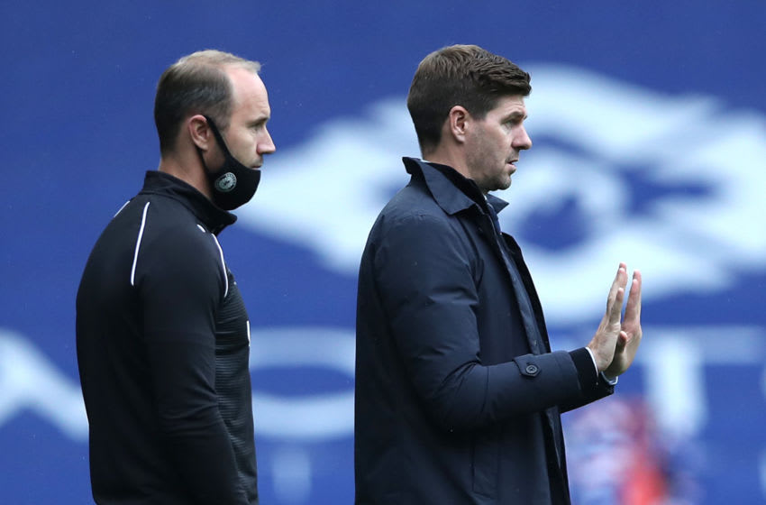 GLASGOW, SCOTLAND - SEPTEMBER 12: Steven Gerrard, Manager of Rangers gives his team instructions during the Ladbrokes Scottish Premiership match between Rangers and Dundee United at Ibrox Stadium on September 12, 2020 in Glasgow, Scotland. (Photo by Ian MacNicol/Getty Images)