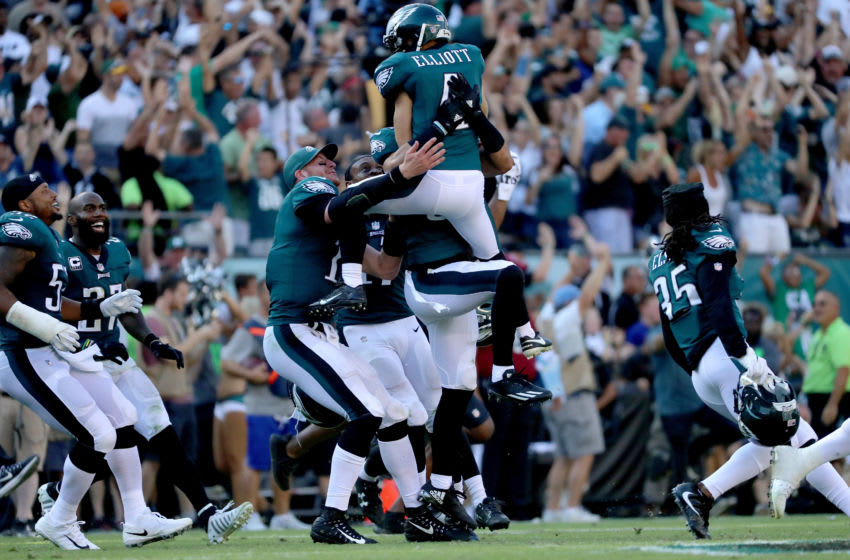 PHILADELPHIA, PA - SEPTEMBER 24: Jake Elliott #4 of the Philadelphia Eagles celebrates with teammates after making a game-winning 61 yard field goal against the New York Giants on September 24, 2017 at Lincoln Financial Field in Philadelphia, Pennsylvania. (Photo by Abbie Parr/Getty Images)