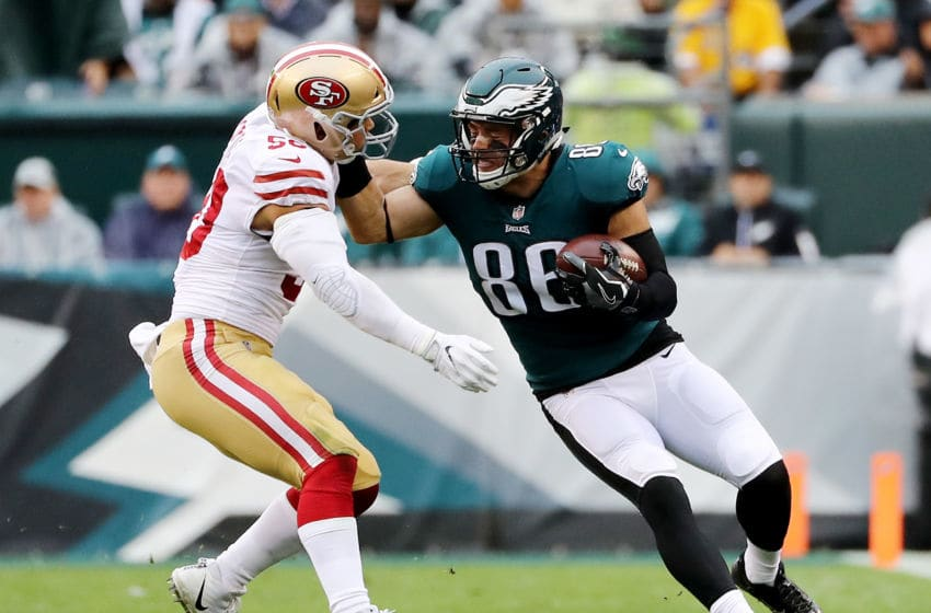PHILADELPHIA, PA - OCTOBER 29: Zach Ertz #86 of the Philadelphia Eagles carries the ball as Brock Coyle #50 of the San Francisco 49ers defends in the first quarter on October 29, 2017 at Lincoln Financial Field in Philadelphia, Pennsylvania. (Photo by Elsa/Getty Images)