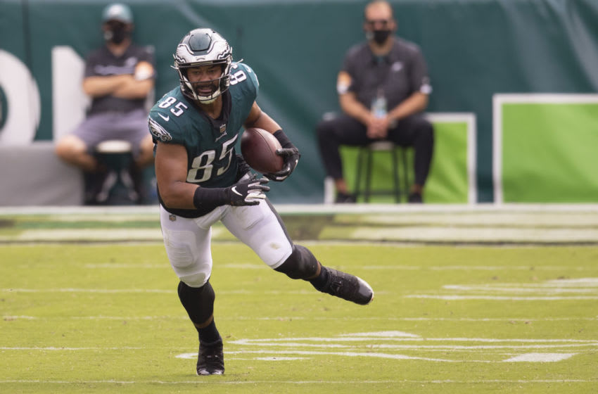 PHILADELPHIA, PA - SEPTEMBER 27: Richard Rodgers #85 of the Philadelphia Eagles runs with the ball against the Cincinnati Bengals at Lincoln Financial Field on September 27, 2020 in Philadelphia, Pennsylvania. (Photo by Mitchell Leff/Getty Images)