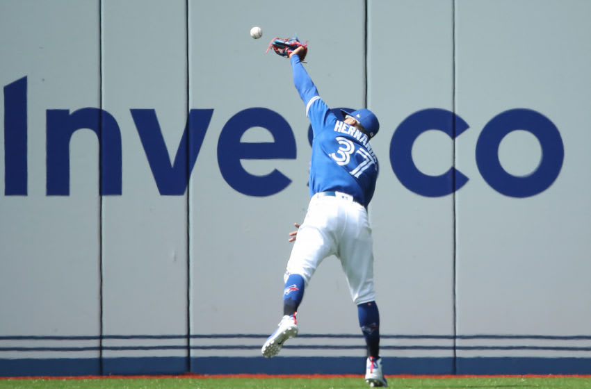 TORONTO, ON - AUGUST 22: Teoscar Hernandez #37 of the Toronto Blue Jays drops a fly ball and makes a fielding error in the seventh inning during MLB game action against the Baltimore Orioles at Rogers Centre on August 22, 2018 in Toronto, Canada. (Photo by Tom Szczerbowski/Getty Images)