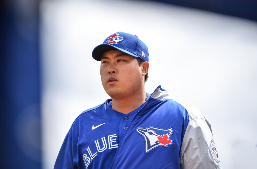 DUNEDIN, FLORIDA - FEBRUARY 27: Hyun-Jin Ryu #99 of the Toronto Blue Jays heads to the dugout before the first inning during the spring training game against the Minnesota Twins at TD Ballpark on February 27, 2020 in Dunedin, Florida. (Photo by Mark Brown/Getty Images)
