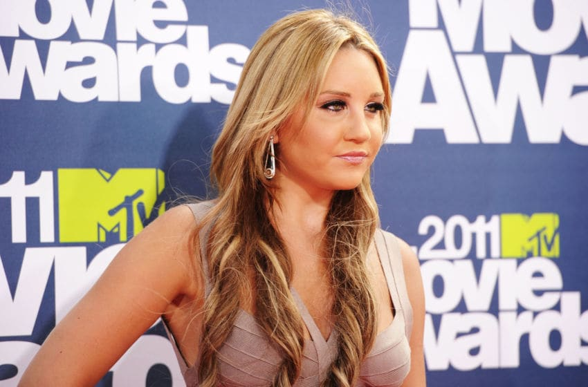 UNIVERSAL CITY, CA - JUNE 05: Actress Amanda Bynes arrives at the 2011 MTV Movie Awards at Universal Studios' Gibson Amphitheatre on June 5, 2011 in Universal City, California. (Photo by Jason Merritt/Getty Images)