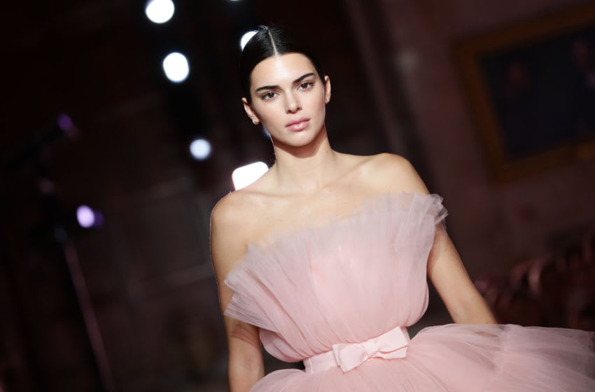 Kendall Jenner walks the runway (Photo by Vittorio Zunino Celotto/Getty Images)