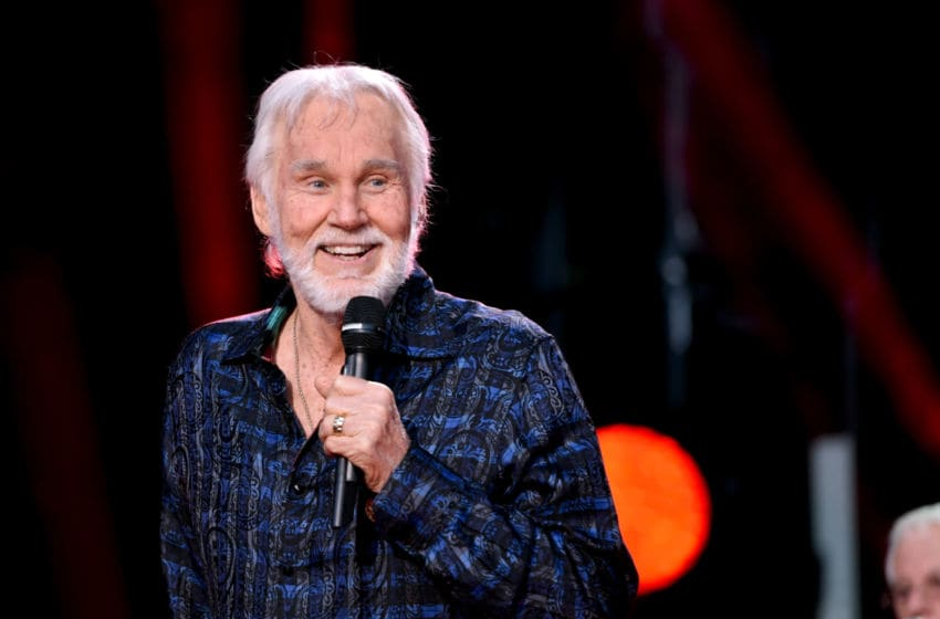 Kenny Rogers (Photo by John Shearer/Getty Images)