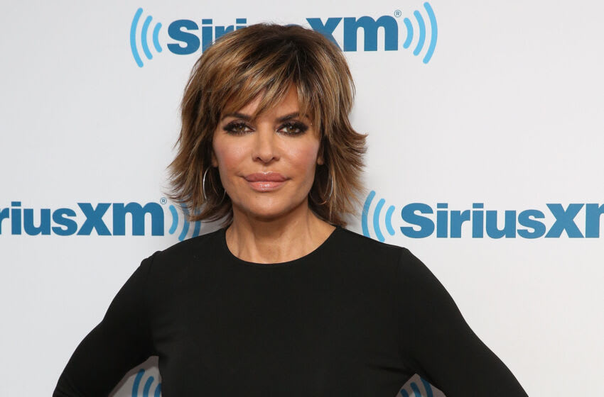 NEW YORK, NY - DECEMBER 13: Lisa Rinna visits at SiriusXM Studio on December 13, 2016 in New York City. (Photo by Robin Marchant/Getty Images)