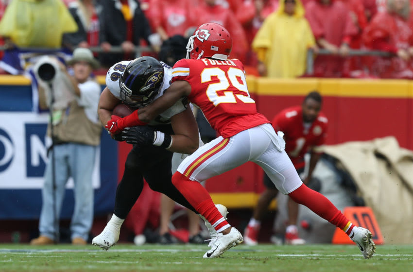 KANSAS CITY, MO - SEPTEMBER 22: Kansas City Chiefs cornerback Kendall Fuller (29) tackles Baltimore Ravens tight end Nick Boyle (86) in the third quarter of an AFC matchup between the Baltimore Ravens and Kansas City Chiefs on September 22, 2019 at Arrowhead Stadium in Kansas City, MO. (Photo by Scott Winters/Icon Sportswire via Getty Images)