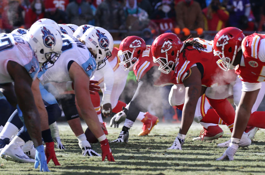 KANSAS CITY, MO - DECEMBER 18: The Chiefs defensive and Titans offensive lines before a snap in the first half of an NFL game between two division-leading teams, the Tennessee Titans and Kansas City Chiefs on December 18, 2016 at Arrowhead Stadium in Kansas City, MO. (Photo by Scott Winters/Icon Sportswire via Getty Images)