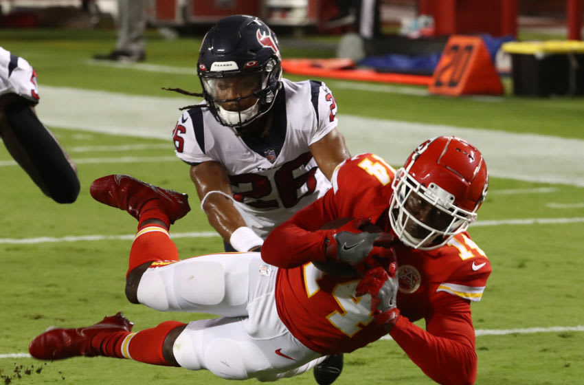 KANSAS CITY, MISSOURI - SEPTEMBER 10: Sammy Watkins #14 of the Kansas City Chiefs dives for the end zone but comes up short as Vernon Hargreaves III tackles during the second quarter at Arrowhead Stadium on September 10, 2020 in Kansas City, Missouri. (Photo by Jamie Squire/Getty Images)