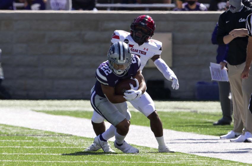 Kansas State Wildcats running back Deuce Vaughn (22) - Mandatory Credit: Scott Sewell-USA TODAY Sports