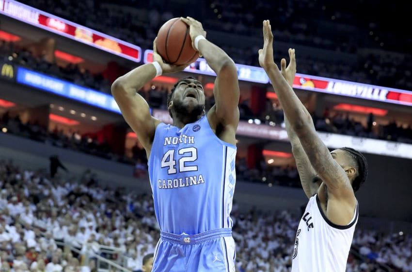 LOUISVILLE, KENTUCKY - FEBRUARY 02: Brandon Huffman #42 of the North Carolina Tar Heels shoots the ball against the Louisville Cardinals at KFC YUM! Center on February 02, 2019 in Louisville, Kentucky. (Photo by Andy Lyons/Getty Images)
