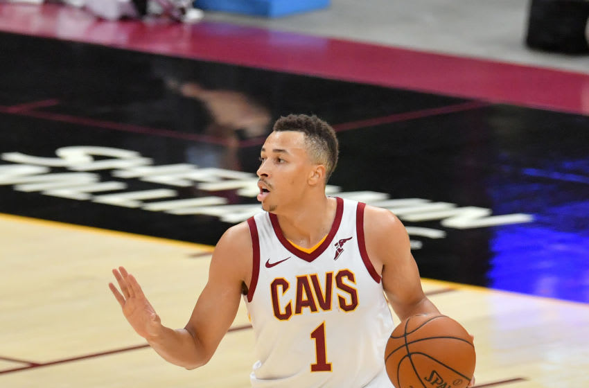 Cleveland Cavaliers guard Dante Exum handles the ball. (Photo by Jason Miller/Getty Images)