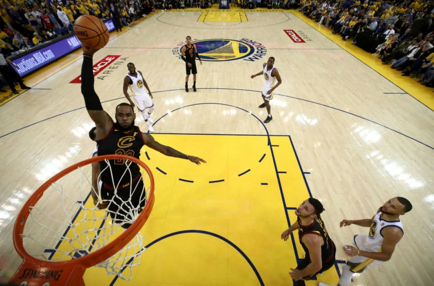 Cleveland Cavaliers forward LeBron James dunks the ball. (Photo by Ezra Shaw/Getty Images)