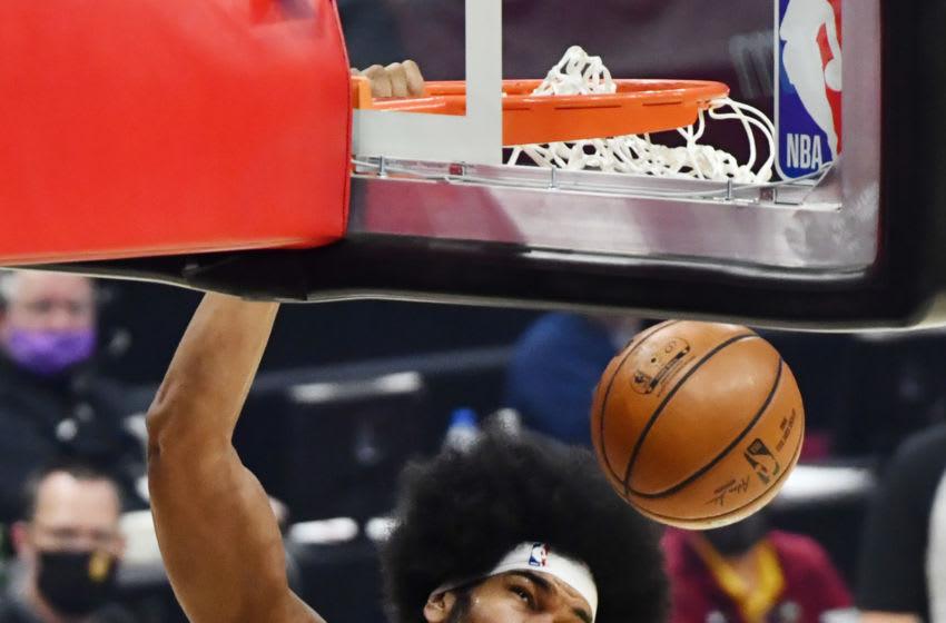 Cleveland Cavaliers big Jarrett Allen dunks the ball. (Photo by Ken Blaze-USA TODAY Sports)