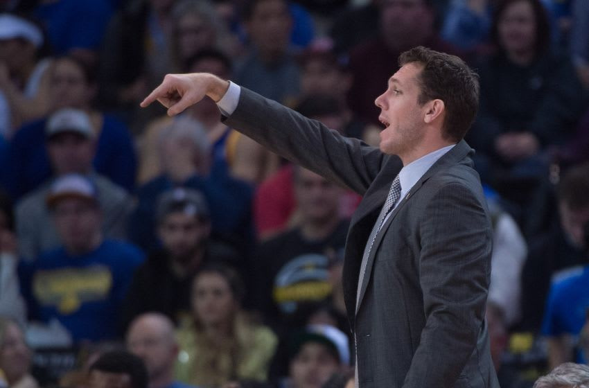 January 11, 2016; Oakland, CA, USA; Golden State Warriors interim head coach Luke Walton instructs during the fourth quarter against the Miami Heat at Oracle Arena. The Warriors defeated the Heat 111-103. Mandatory Credit: Kyle Terada-USA TODAY Sports