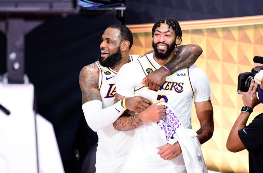 Los Angeles Lakers (Photo by Douglas P. DeFelice/Getty Images)