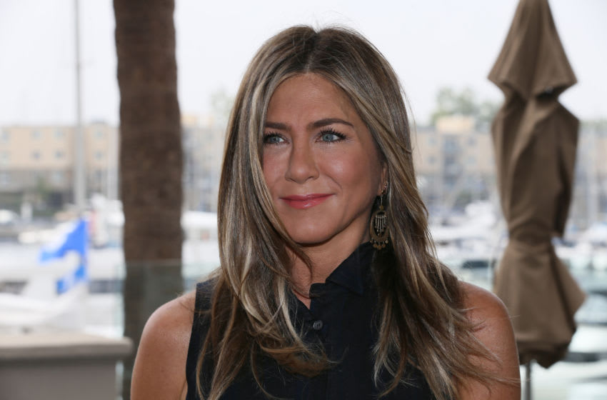 MARINA DEL REY, CALIFORNIA - JUNE 11: Jennifer Aniston attends a photocall of Netflix's