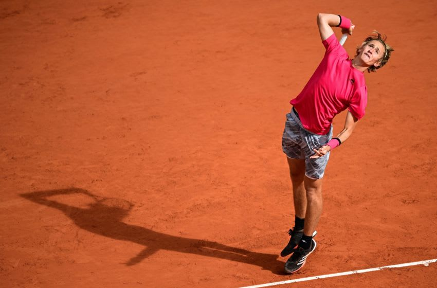 Sebastian Korda of the US serves the ball to Spain's Rafael Nadal during their men's singles fourth round tennis match on Day 8 of The Roland Garros 2020 French Open tennis tournament in Paris on October 4, 2020. (Photo by MARTIN BUREAU / AFP) (Photo by MARTIN BUREAU/AFP via Getty Images)