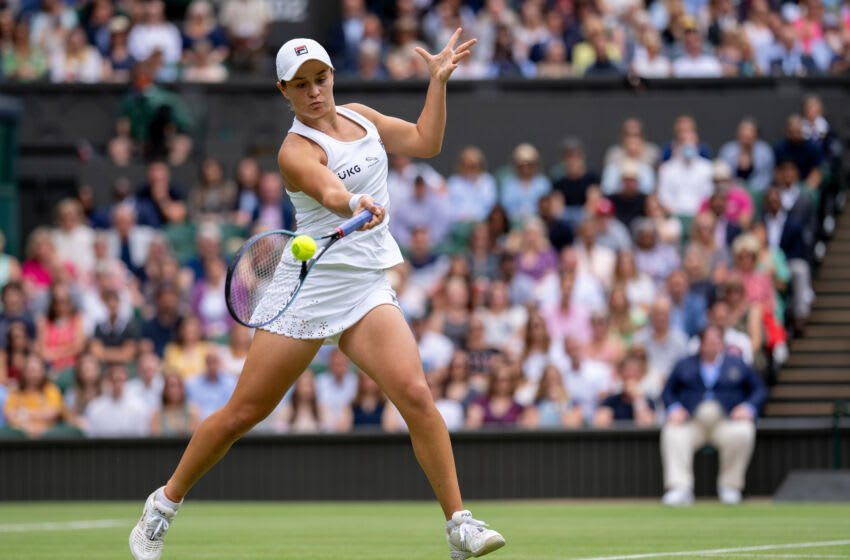 LONDON, ENGLAND - JULY 08: Angelique Kerber of Germany celebrates in her Ladies' Singles Semi-Final match against Ashleigh Barty of Australia on Day Ten of The Championships - Wimbledon 2021 at All England Lawn Tennis and Croquet Club on July 08, 2021 in London, England. (Photo by AELTC/Jed Leicester2 - Pool/Getty Images)