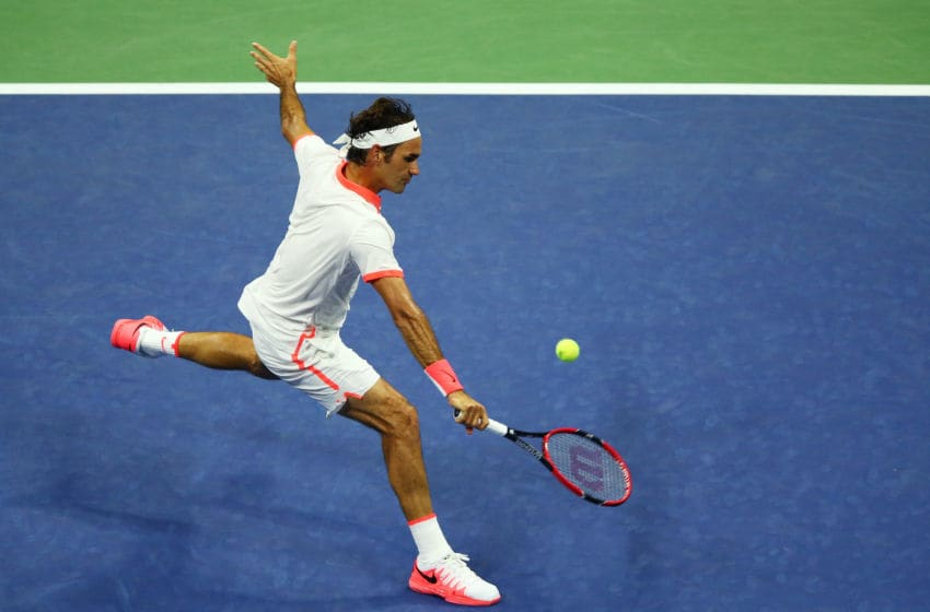NEW YORK, NY - SEPTEMBER 03: Roger Federer of Switzerland returns a shot to Steve Darcis of Belgium during their Men's Singles Second Round match on Day Four of the 2015 US Open at the USTA Billie Jean King National Tennis Center on September 3, 2015 in the Flushing neighborhood of the Queens borough of New York City. (Photo by Clive Brunskill/Getty Images)