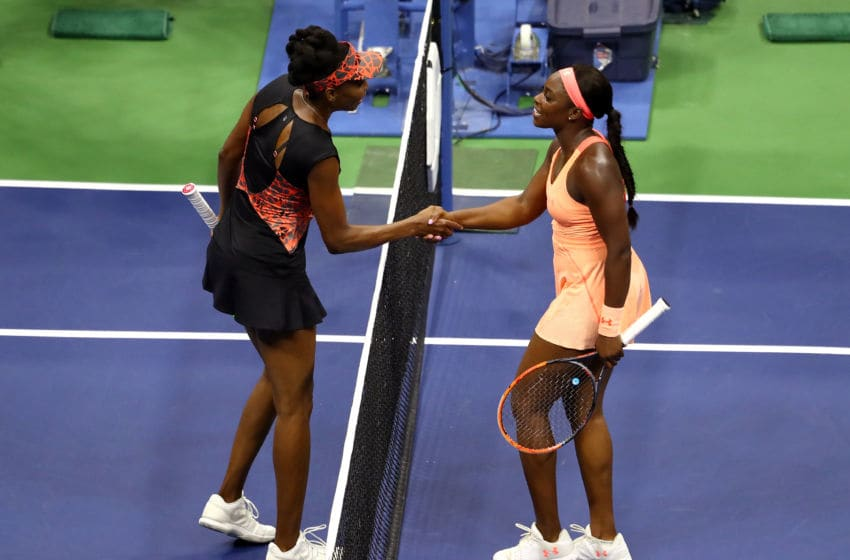 NEW YORK, NY - SEPTEMBER 07: Sloane Stephens (R) of the United States shakes hands with Venus Williams (L) of the United States in their Women's Singles Semifinal match on Day Eleven of the 2017 US Open at the USTA Billie Jean King National Tennis Center on September 7, 2017 in the Flushing neighborhood of the Queens borough of New York City. Sloane Stephens defeated Venus Williams in 3 sets with a score of 6-1, 0-6, 7-5. (Photo by Al Bello/Getty Images)