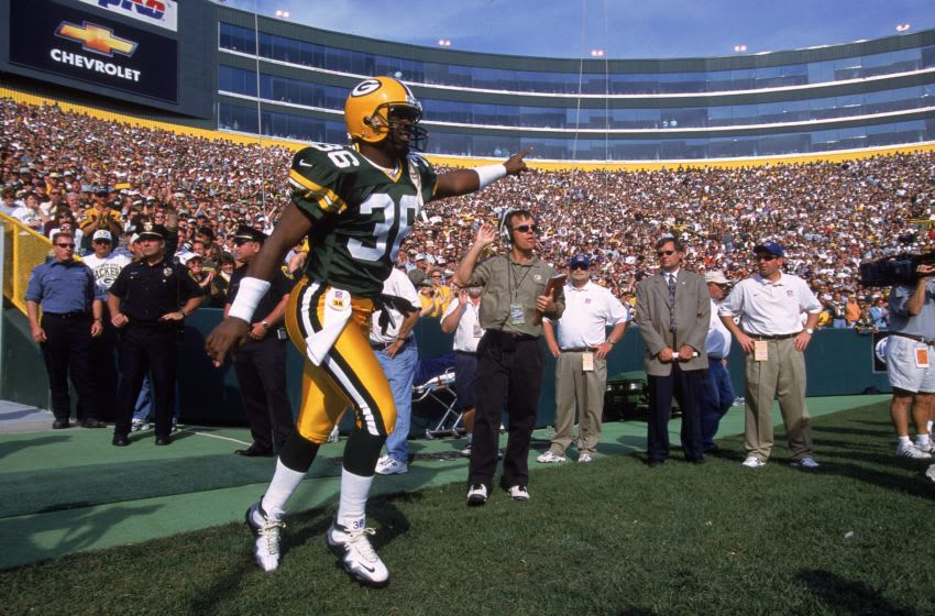 1 Oct 2000: LeRoy Butler #36 of the Green Bay Packers comes onto the field during the game against the Chicago Bears at Lambeau Field in Green Bay, Wisconsin. The Bears defeated the Packers 27-24.Mandatory Credit: Jonathan Daniel /Allsport