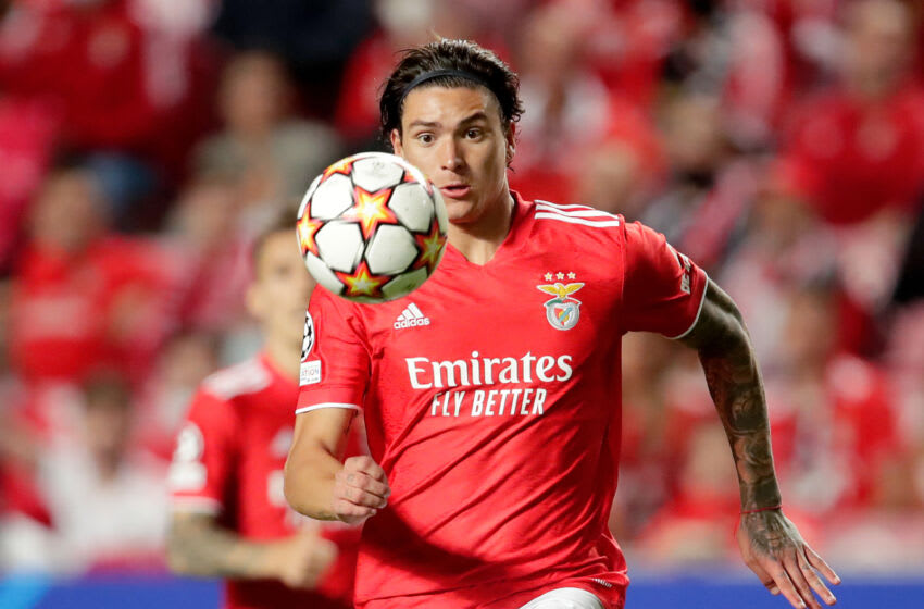 LISBON, PORTUGAL - SEPTEMBER 29: Darwin Nunez of Benfica during the UEFA Champions League match between Benfica v FC Barcelona at the Estadio da Luz on September 29, 2021 in Lisbon Portugal (Photo by Eric Verhoeven/Soccrates/Getty Images)