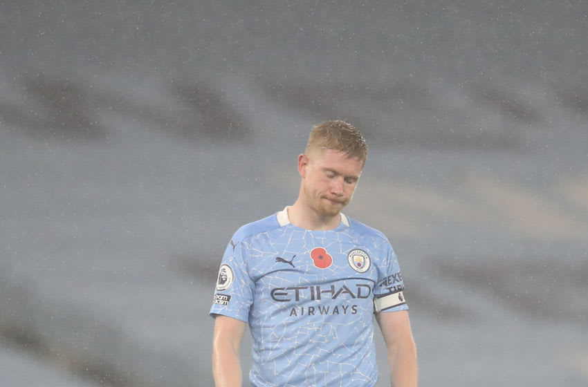 MANCHESTER, ENGLAND - NOVEMBER 08: Kevin De Bruyne of Manchester City reacts after the Premier League match between Manchester City and Liverpool at Etihad Stadium on November 08, 2020 in Manchester, England. Sporting stadiums around the UK remain under strict restrictions due to the Coronavirus Pandemic as Government social distancing laws prohibit fans inside venues resulting in games being played behind closed doors. (Photo by Martin Rickett - Pool/Getty Images)