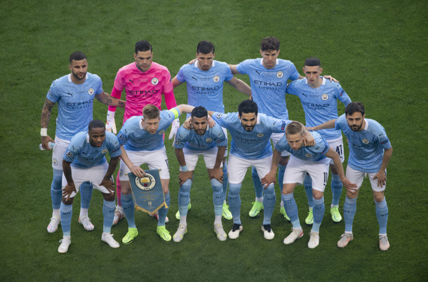 PORTO, PORTUGAL - MAY 29: The Manchester City team (back row l-r Kyle Walker, Ederson, Ruben Dias, John Stones, Phil Foden, front row l-r Raheem Sterling, Kevin De Bruyne, Riyad Mahrez, İlkay Gündoğan, Oleksandr Zinchenko and Bernardo Silva) pose for a team picture before the UEFA Champions League Final between Manchester City and Chelsea FC at Estadio do Dragao on May 29, 2021 in Porto, Portugal. (Photo by Visionhaus/Getty Images)
