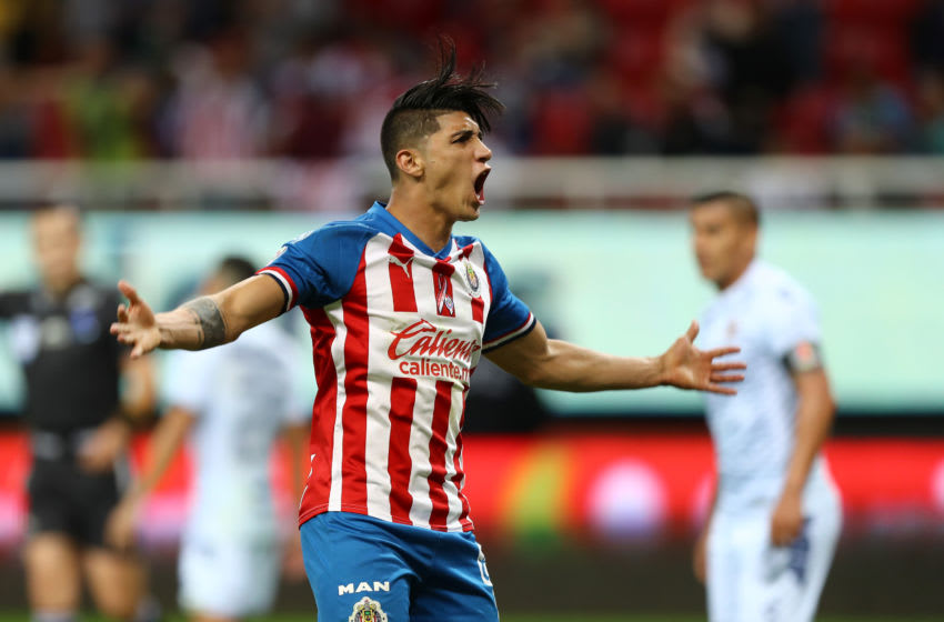 ZAPOPAN, MEXICO - NOVEMBER 23: Alan Pulido #09 of Chivas celebrates first goal during the 19th round match between Chivas and Veracruz as part of the Torneo Apertura 2019 Liga MX at Akron Stadium on November 23, 2019 in Zapopan, Mexico. (Photo by Refugio Ruiz/Getty Images)