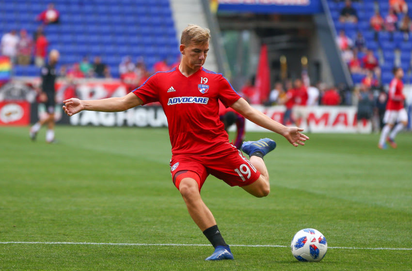 HARRISON, NJ - JUNE 23: FC Dallas midfielder Paxton Pomykal (19) during warm ups prior to the Major League Soccer game between the New York Red Bulls and FC Dallas on June 23, 2018, at Red Bull Arena in Harrison, NJ. (Photo by Rich Graessle/Icon Sportswire via Getty Images)
