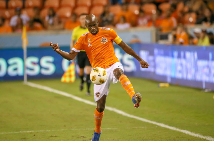 HOUSTON, TX - SEPTEMBER 15: Houston Dynamo midfielder DaMarcus Beasley (7) traps the ball during the soccer match between the Portland Timber and Houston Dynamo on September 15, 2018 at BBVA Compass Stadium in Houston, Texas. (Photo by Leslie Plaza Johnson/Icon Sportswire via Getty Images)