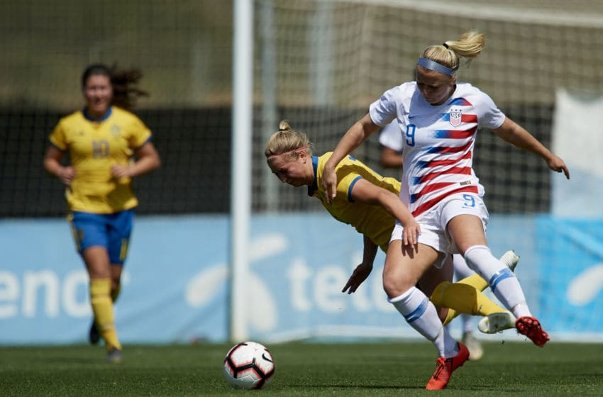 Hailie Mace of USA and Emma Westin of Sweden competes for the ball during the international friendly match between Sweden WU23 and USA WU23 at La Manga Club on April 05, 2019 in Cartagena, Spain. (Photo by Jose Breton/NurPhoto via Getty Images)
