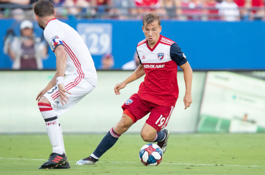 FRISCO, TX - JUNE 22: FC Dallas midfielder Paxton Pomykal (#18) dribbles up field during the MLS soccer game between FC Dallas and Toronto FC on June 22, 2019, at Toyota Stadium in Frisco, TX. (Photo by Matthew Visinsky/Icon Sportswire via Getty Images)