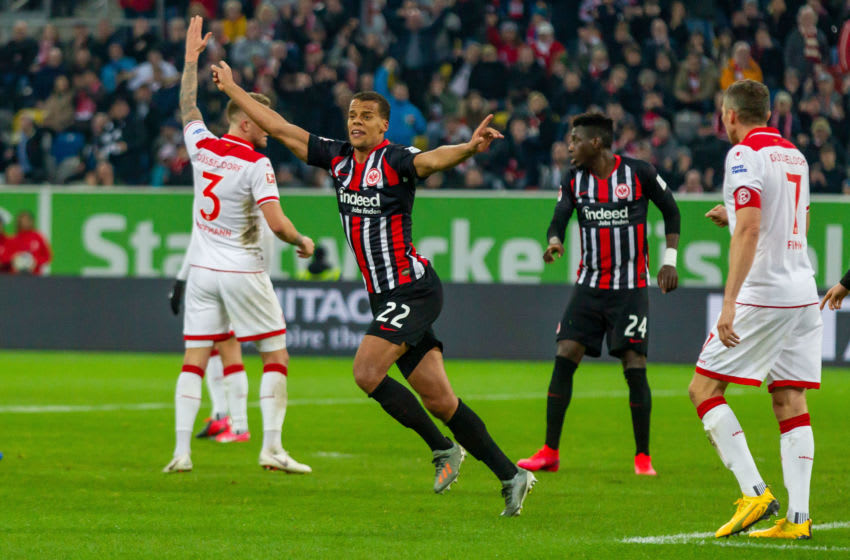 DUESSELDORF, GERMANY - FEBRUARY 01: (BILD ZEITUNG OUT) Timothy Chandler of Eintracht Frankfurt celebrates after scoring his team's first goal during the Bundesliga match between Fortuna Duesseldorf and Eintracht Frankfurt at Merkur Spiel-Arena on February 1, 2020 in Duesseldorf, Germany. (Photo by TF-Images/Getty Images)