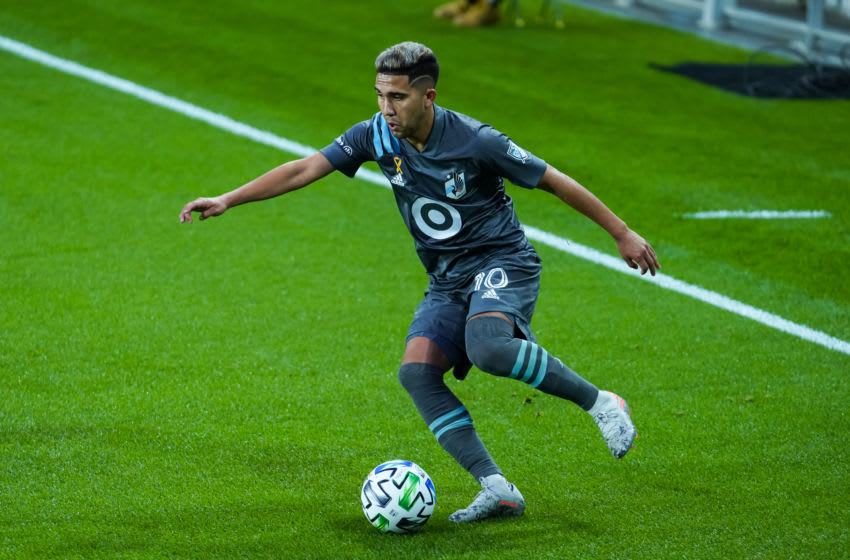 ST. PAUL, MINNESOTA - SEPTEMBER 09: Emanuel Reynoso #10 of Minnesota United dribbles the ball against FC Dallas in the first half of the game at Allianz Field on September 9, 2020 in St Paul, Minnesota. Minnesota defeated Dallas 3-2. (Photo by David Berding/Getty Images)