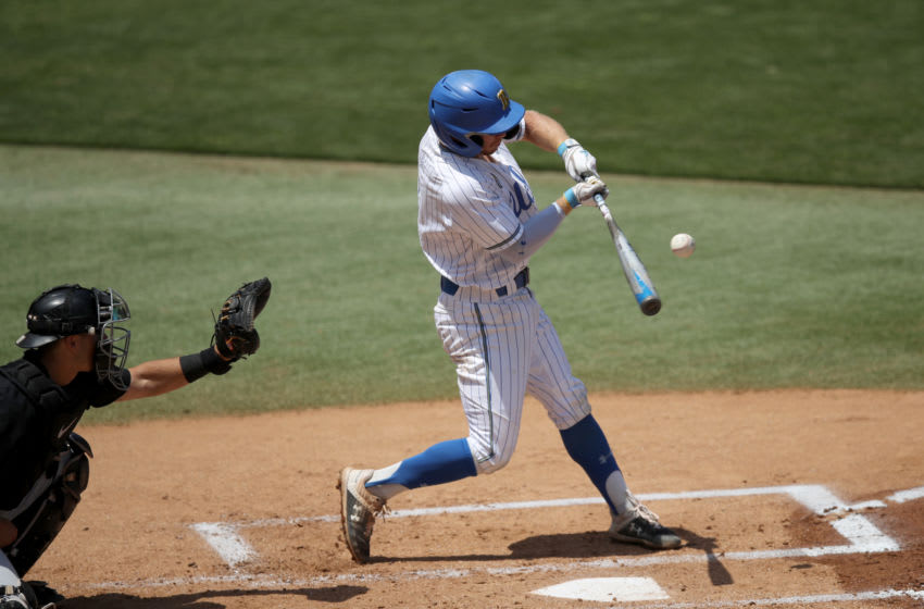 LOS ANGELES - Matt McLain of the UCLA Bruins batd against the Oregon State Beavers. (Photo by Andy Bao/Getty Images)