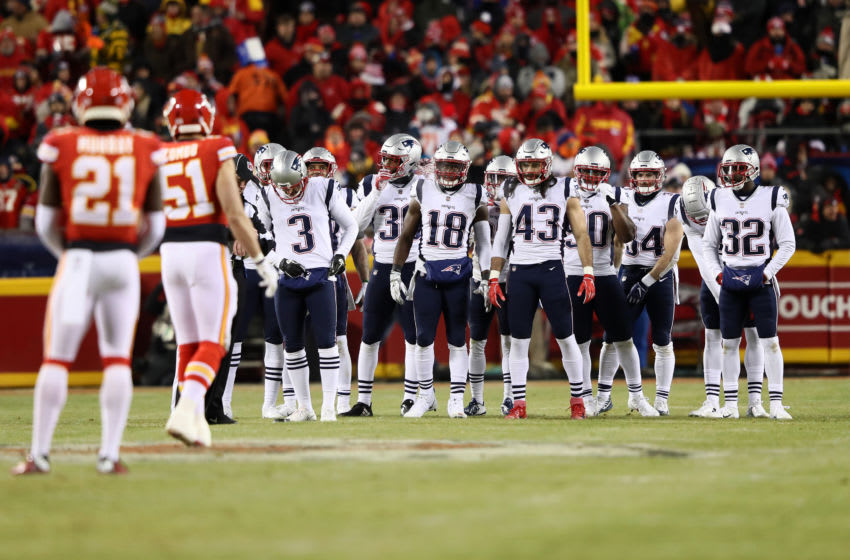 KANSAS CITY, MISSOURI - JANUARY 20: The New England Patriots look on before a play against the Kansas City Chiefs in the second half during the AFC Championship Game at Arrowhead Stadium on January 20, 2019 in Kansas City, Missouri. (Photo by Jamie Squire/Getty Images)