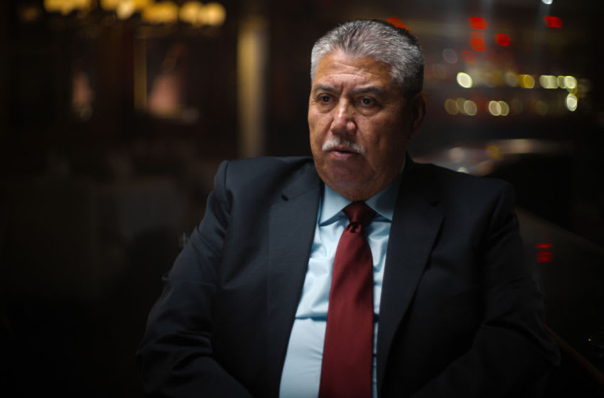 """Gil Carrillo (LA Sheriff Homicidee Detective) in episode 4 """"Manhunt"""" of Night Stalker: The Hunt for a Serial Killer. Cr. NETFLIX © 2021"""