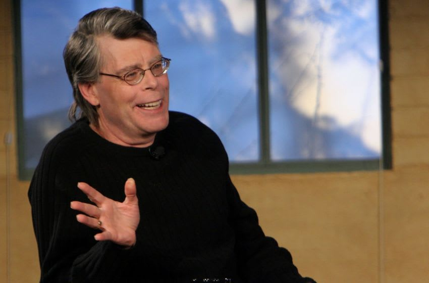 PARK CITY, UT - JANUARY 22: Writer Stephen King speaks at the Amazon Fishbowl with Bill Maher at the Shop during the 2006 Sundance Film Felstival on January 23, 2006 in Park City, Utah. (Photo by Thos Robinson/Getty Images)