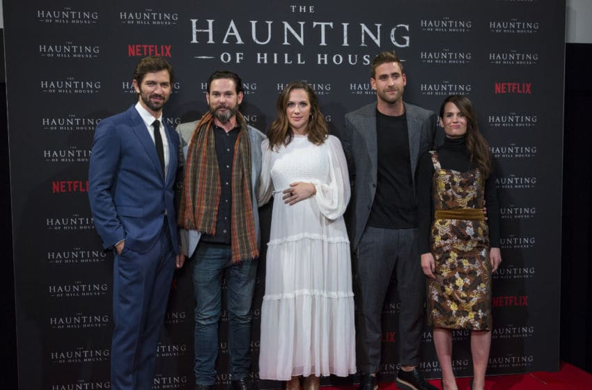 LONDON, ENGLAND - OCTOBER 02: Henry Thomas, Michiel Huisman, Kate Siegel, Oliver Jackson-Cohen and Elizabeth Reaser attend a special screening of Netflix's
