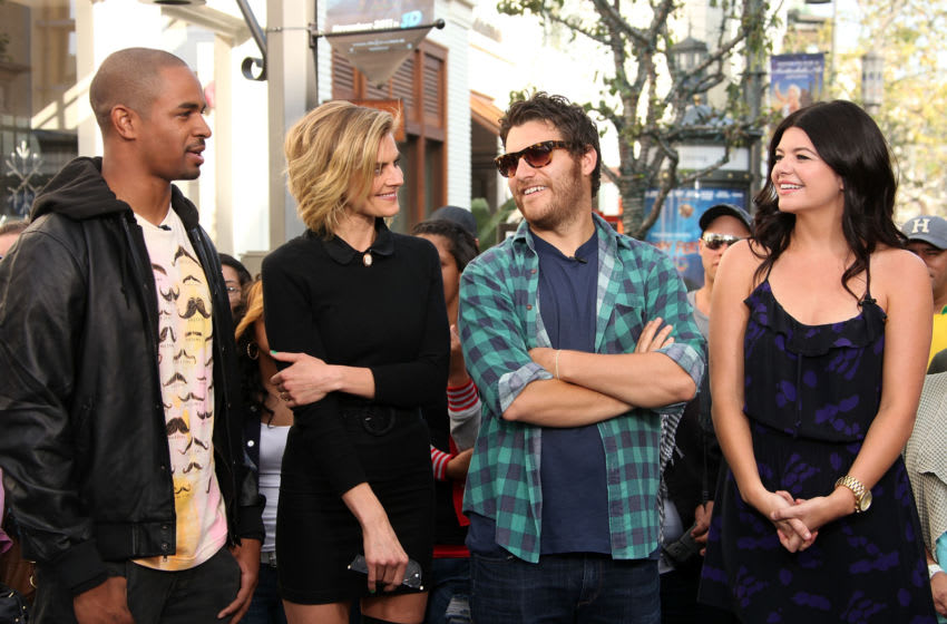 LOS ANGELES, CA - NOVEMBER 01: (L-R) Actors Damon Wayans Jr., Eliza Coupe, Adam Pally and Casey Wilson visit Extra at The Grove on November 1, 2011 in Los Angeles, California. (Photo by Jesse Grant/Getty Images for Extra)