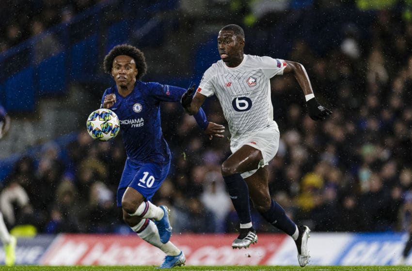 LONDON, ENGLAND - DECEMBER 10: Willian da Silva of Chelsea (L) plays against Boubakary Soumare of Lille (R) during the UEFA Champions League group H match between Chelsea FC and Lille OSC at Stamford Bridge on December 10, 2019 in London, United Kingdom. (Photo by Ricardo Nogueira/Eurasia Sport Images/Getty Images)