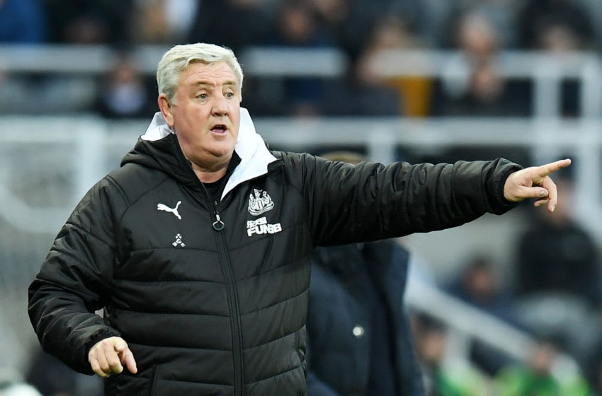 NEWCASTLE UPON TYNE, ENGLAND - JANUARY 01: Steve Bruce, Manager of Newcastle United gives his team instructions during the Premier League match between Newcastle United and Leicester City at St. James Park on January 01, 2020 in Newcastle upon Tyne, United Kingdom. (Photo by Mark Runnacles/Getty Images)