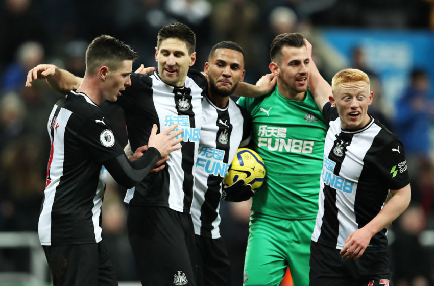 NEWCASTLE UPON TYNE, ENGLAND - JANUARY 18: Newcastle United players celebrate during the Premier League match between Newcastle United and Chelsea FC at St. James Park on January 18, 2020 in Newcastle upon Tyne, United Kingdom. (Photo by Ian MacNicol/Getty Images)