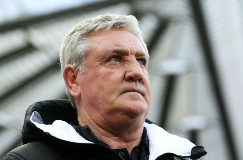 NEWCASTLE UPON TYNE, ENGLAND - JANUARY 25: Steve Bruce, Manager of Newcastle United looks on prior to the FA Cup Fourth Round match between Newcastle United and Oxford United at St. James Park on January 25, 2020 in Newcastle upon Tyne, England. (Photo by Ian MacNicol/Getty Images)