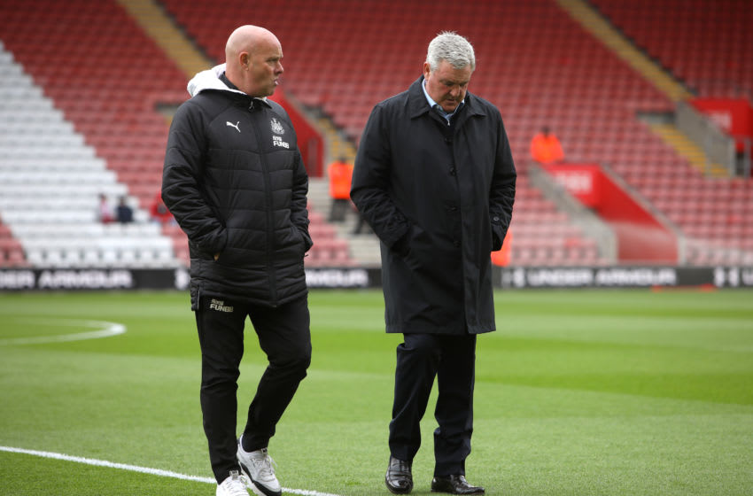 SOUTHAMPTON, ENGLAND - MARCH 07: Steve Agnew, First team coach of Newcastle United (L) and Steve Bruce, Manager of Newcastle United (R) inspect the pitch prior to the Premier League match between Southampton FC and Newcastle United at St Mary's Stadium on March 07, 2020 in Southampton, United Kingdom. (Photo by Charlie Crowhurst/Getty Images)