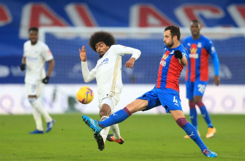 Leicester City's Hamza Choudhury (C). (Photo by ADAM DAVY/POOL/AFP via Getty Images)